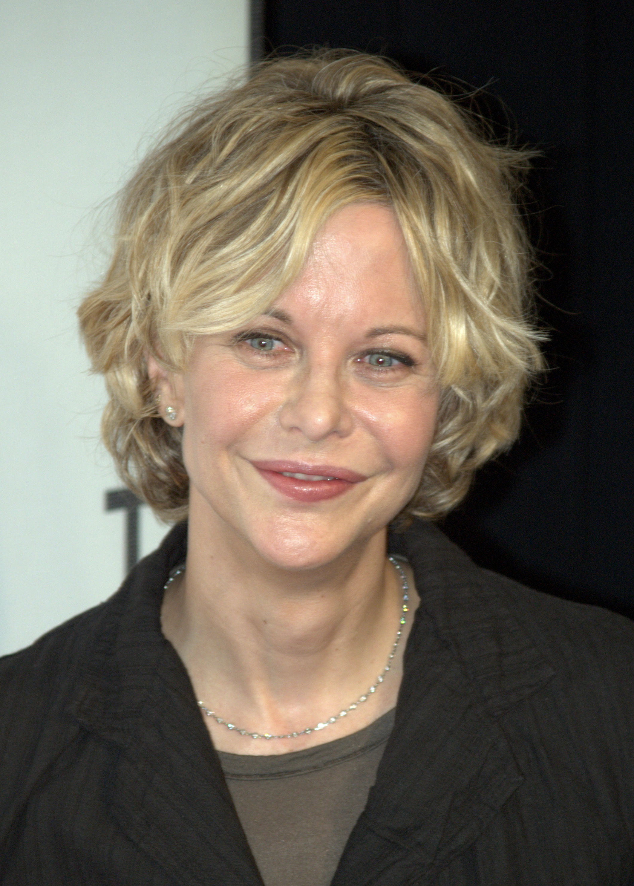 Meg Ryan plastic surgery before and after photos lip implants, botox 1