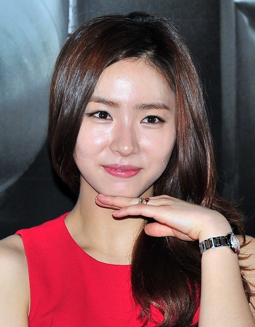 Shin Se Kyung Plastic Surgery Before And After Rumor Pictures,