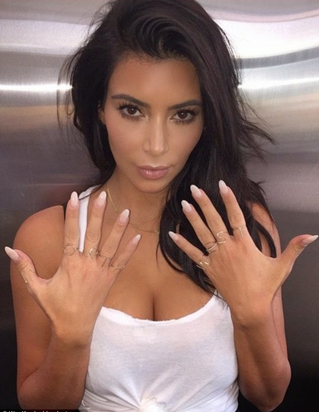 Kim Kardashian Hands Surgery Before And After Laser Treatment (2)